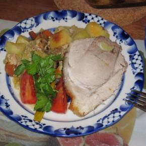 Свинина запечёная с овощами